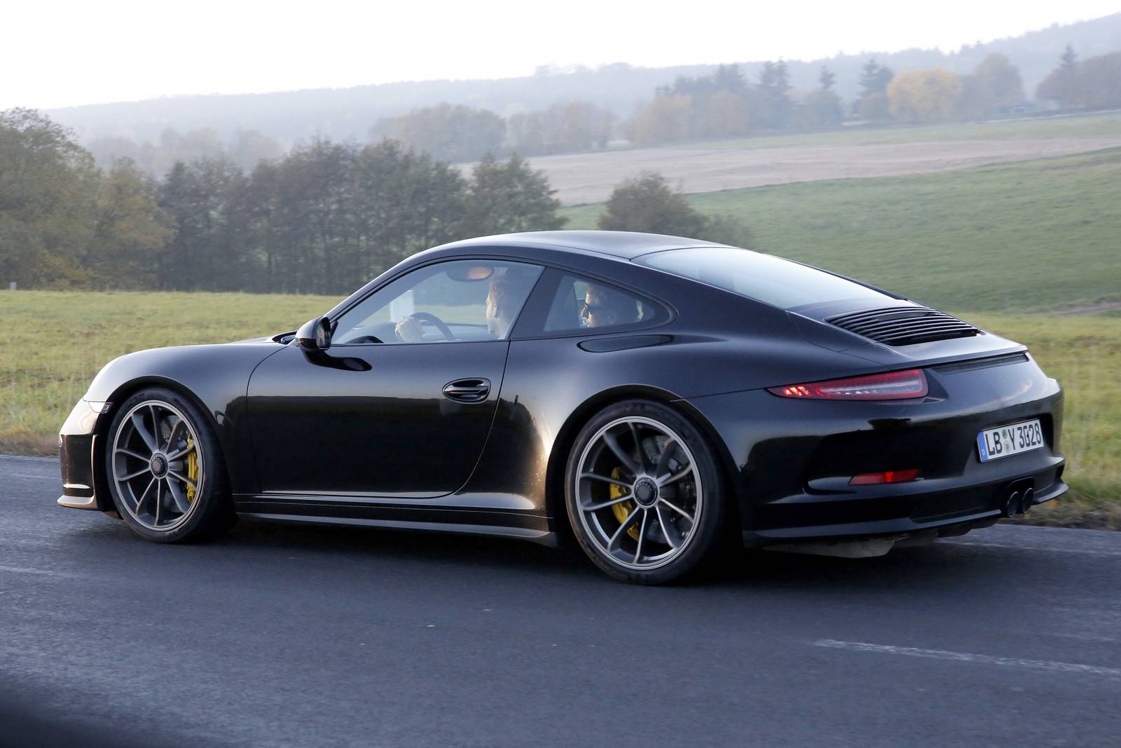 porsche 911 r first spy shots from testing gtspirit. Black Bedroom Furniture Sets. Home Design Ideas