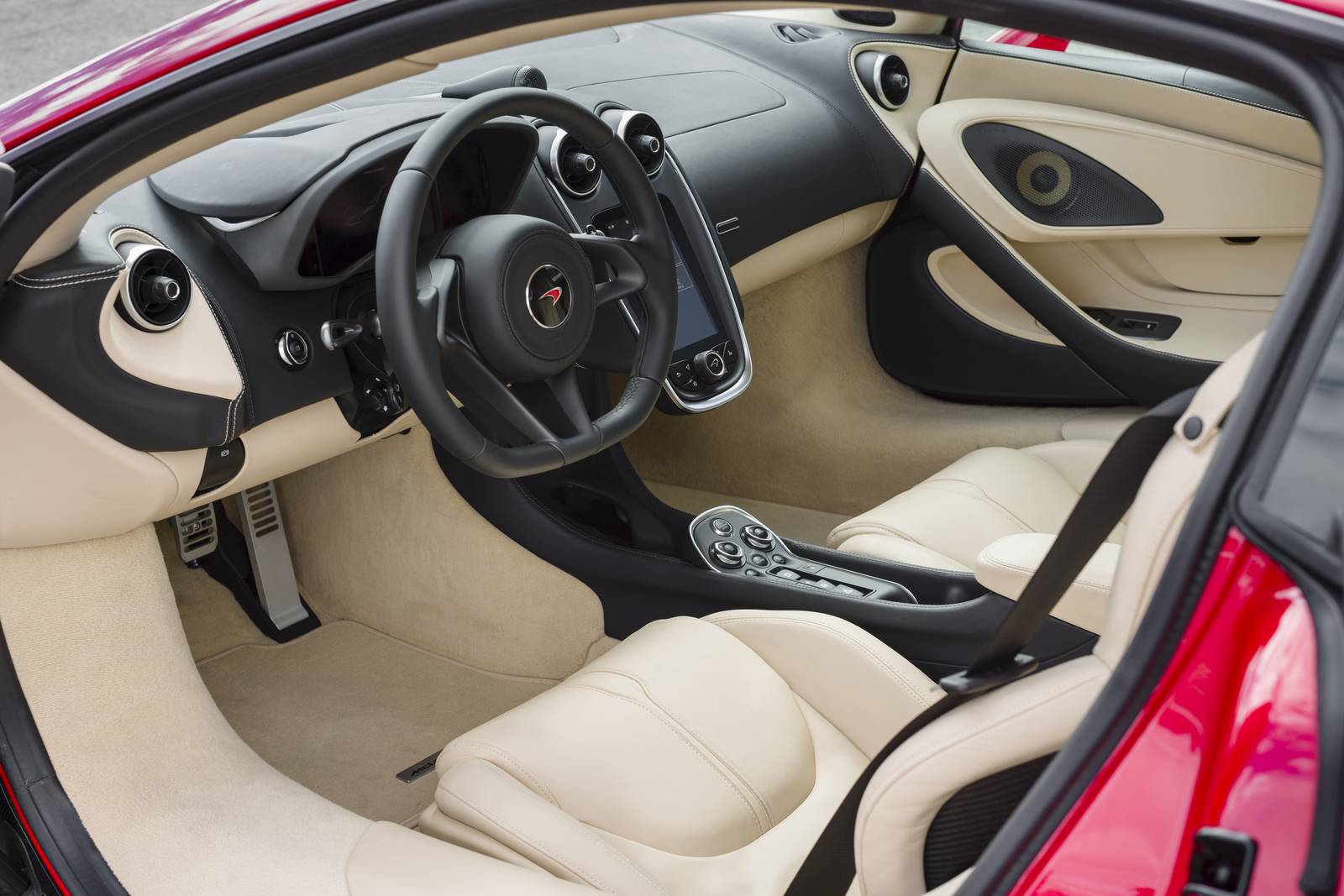 Vermillion Red McLaren 570S Coupe - Interior