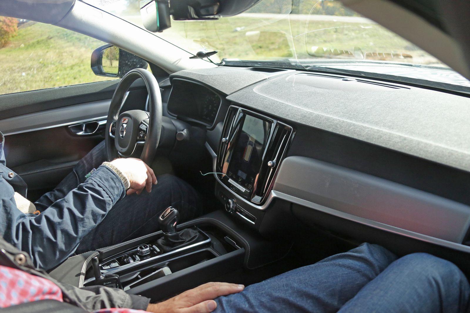 Volvo S90 Interior Spy Shots - GTspirit