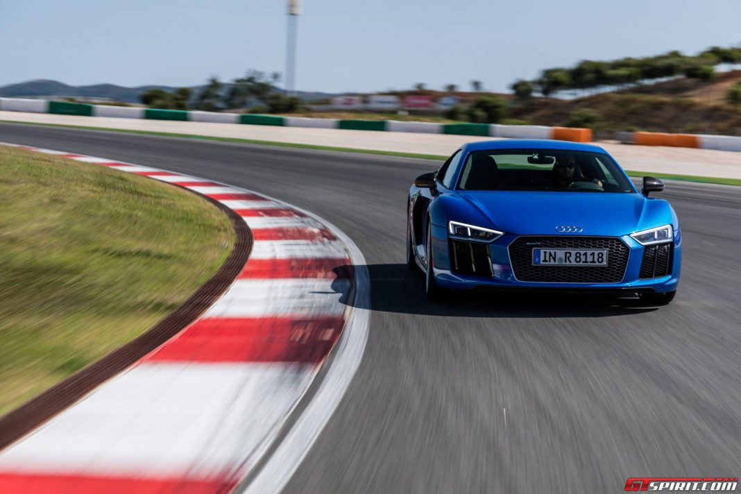 Audi R8 V10 Plus acceleration