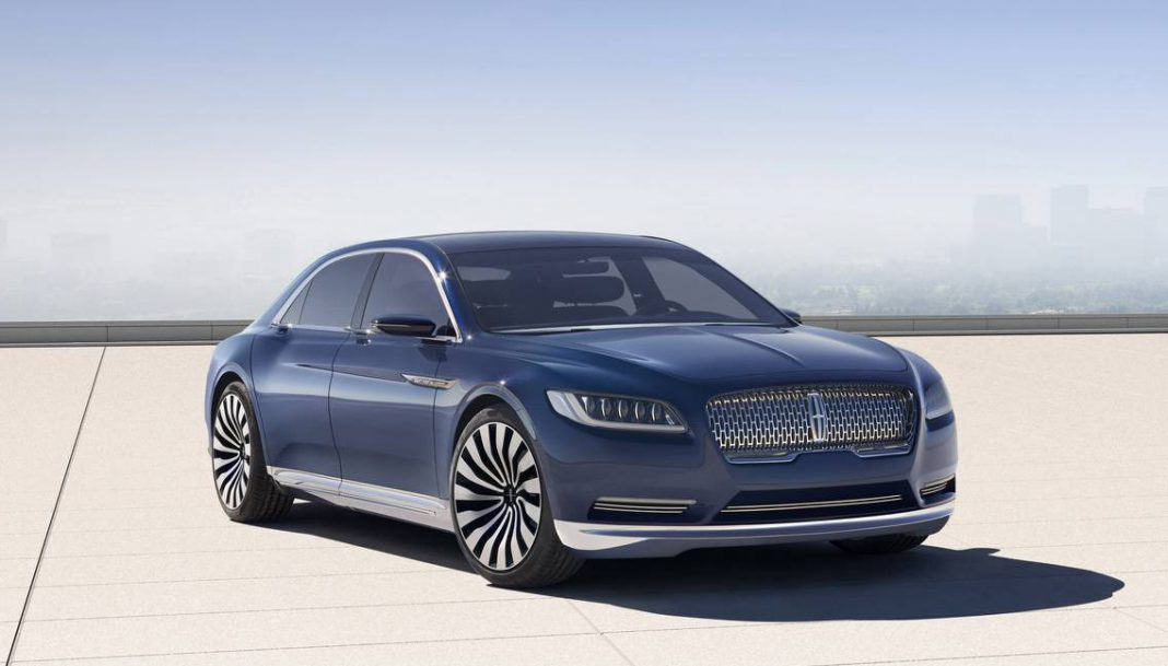 Production-spec Lincoln Continental debuting at Detroit 2016