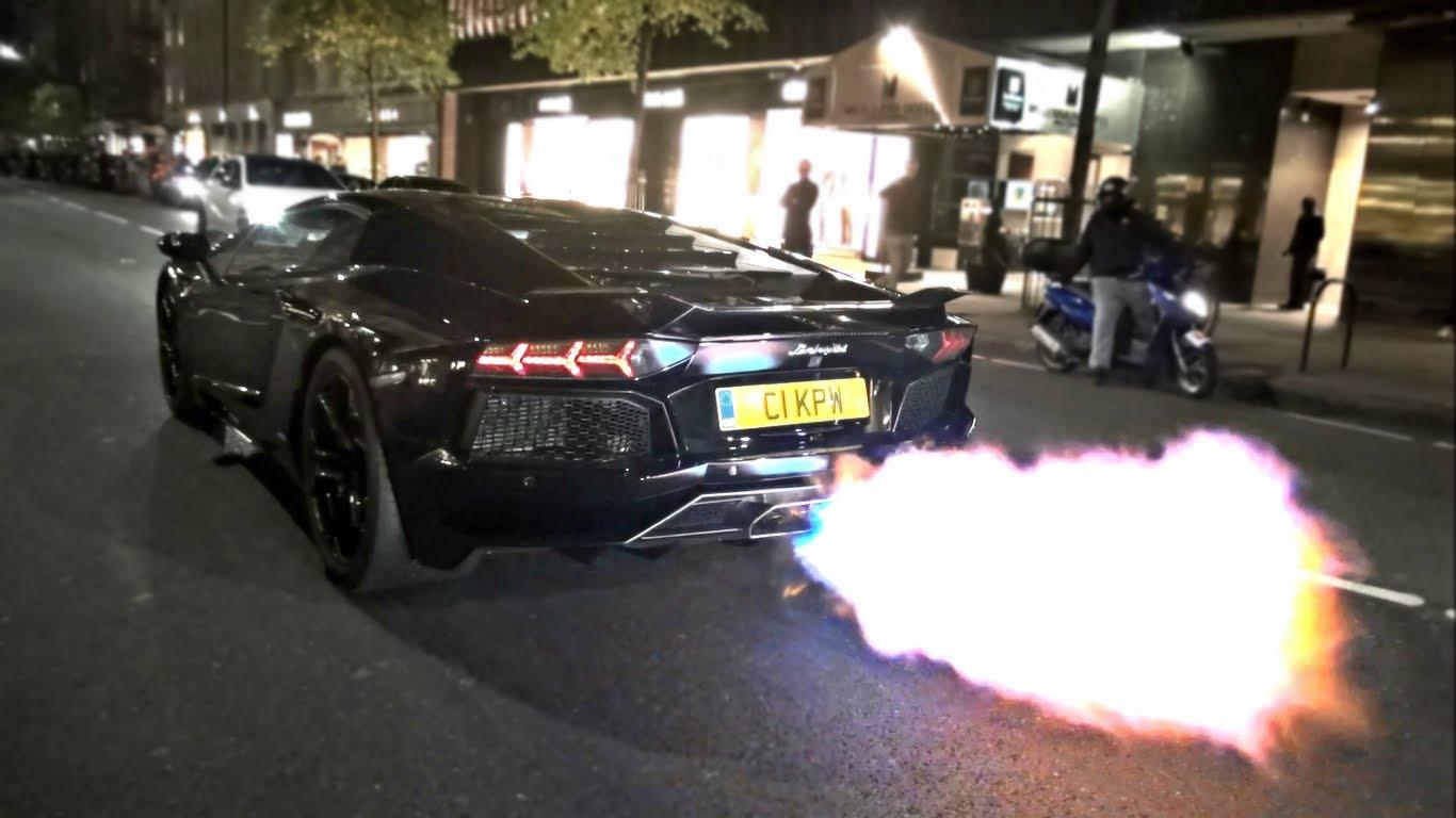 Video: Lamborghini Aventador Shoots Massive Flames in London