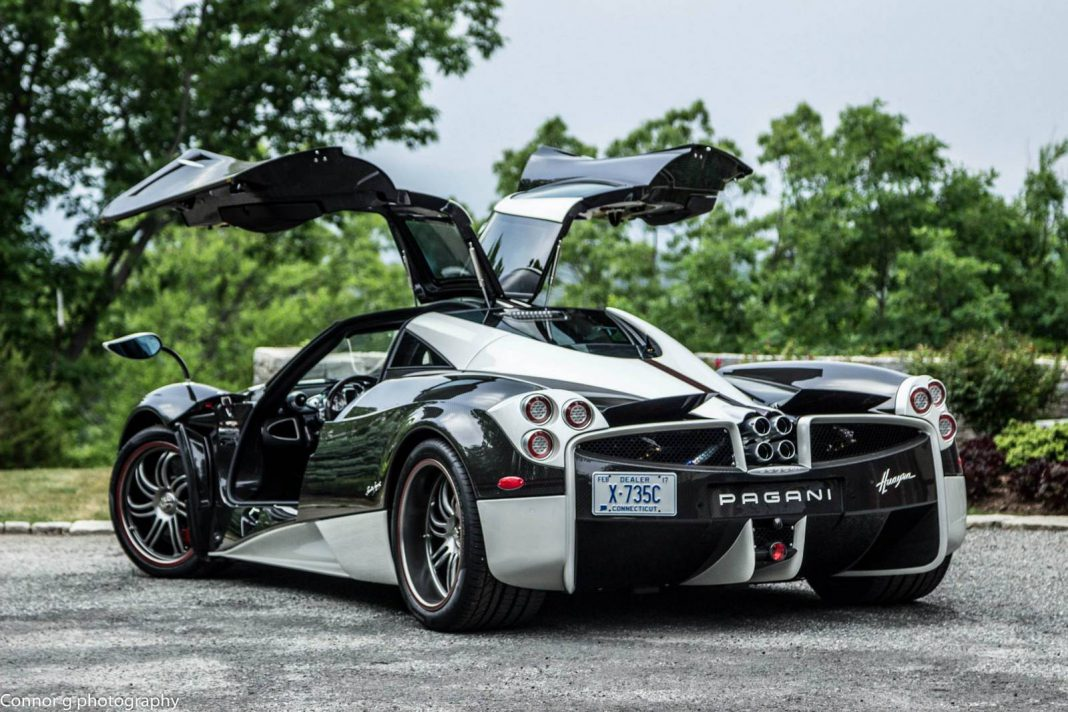 Pagani Huayra The King gets stuck on Beach