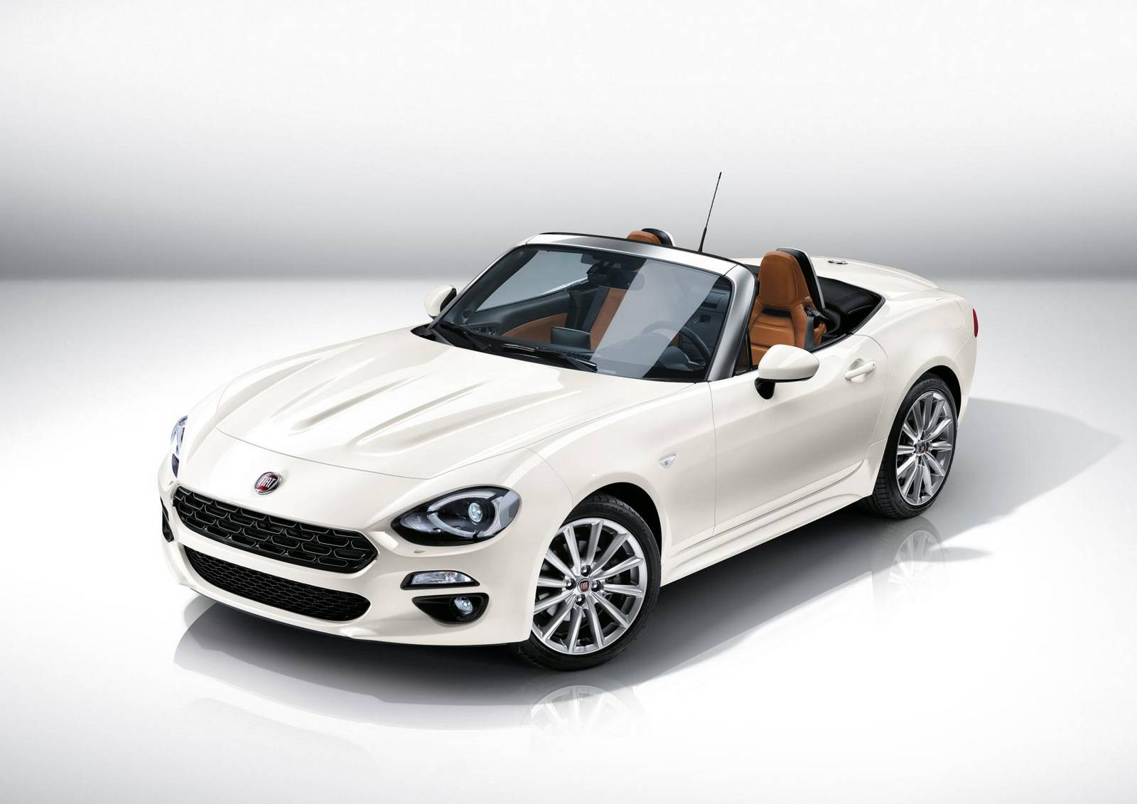 official 2016 fiat 124 spider gtspirit. Black Bedroom Furniture Sets. Home Design Ideas