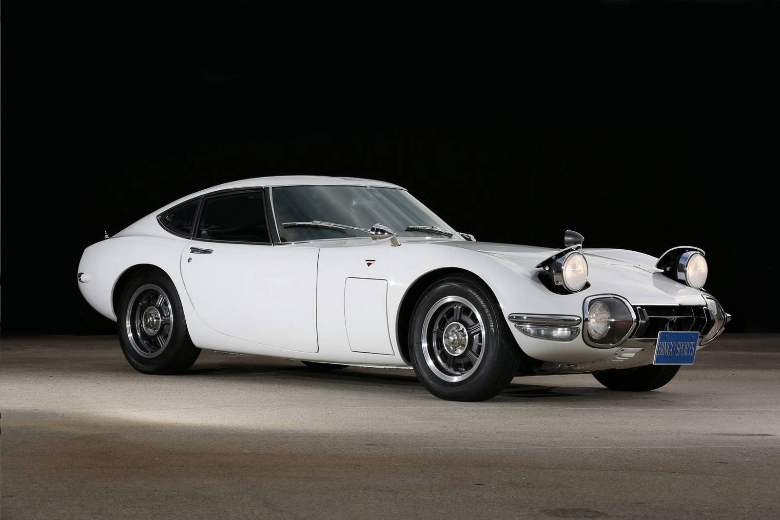 rare 1968 toyota 2000 gt for sale in japan gtspirit. Black Bedroom Furniture Sets. Home Design Ideas