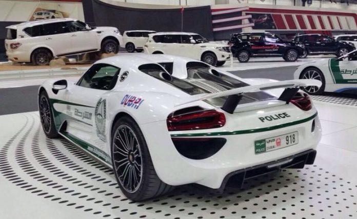 2015 Porsche 918 Spyder Dubai Police 3