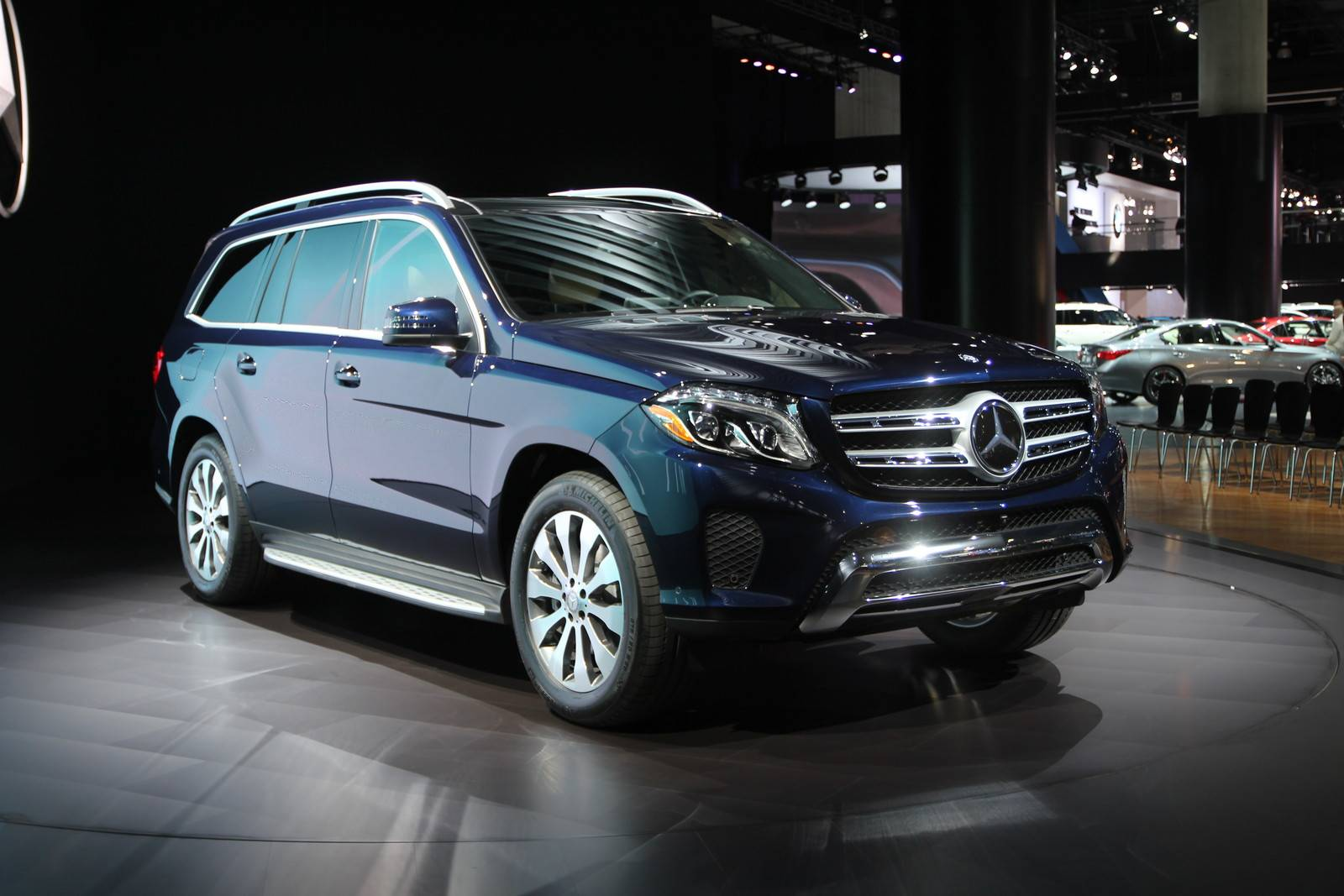 Los angeles 2015 mercedes benz gls gtspirit for Mercedes benz gls