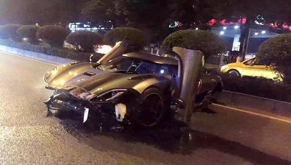 Koenigsegg Agera crash in China