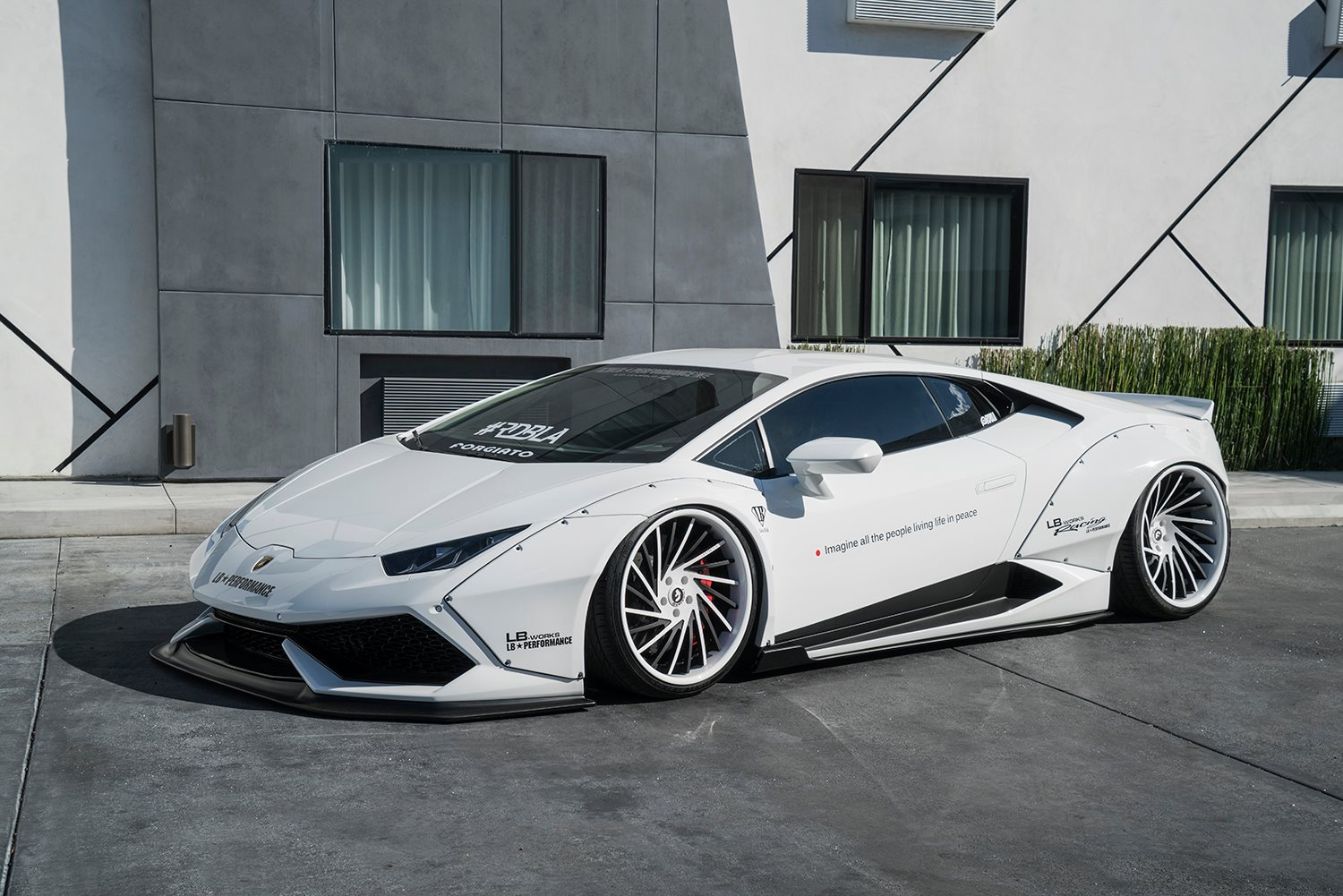 Lamborghini Aventador Spyder >> White Liberty Walk Lamborghini Huracan on Forgiato Wheels - GTspirit