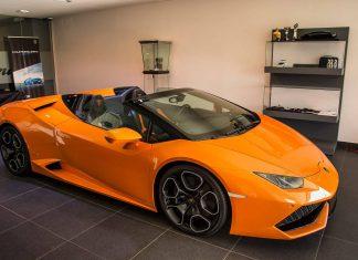 Orange Lamborghini Huracan Spyder