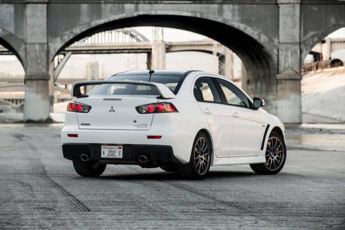 White Mitsubishi Lancer Evolution X Final Edition