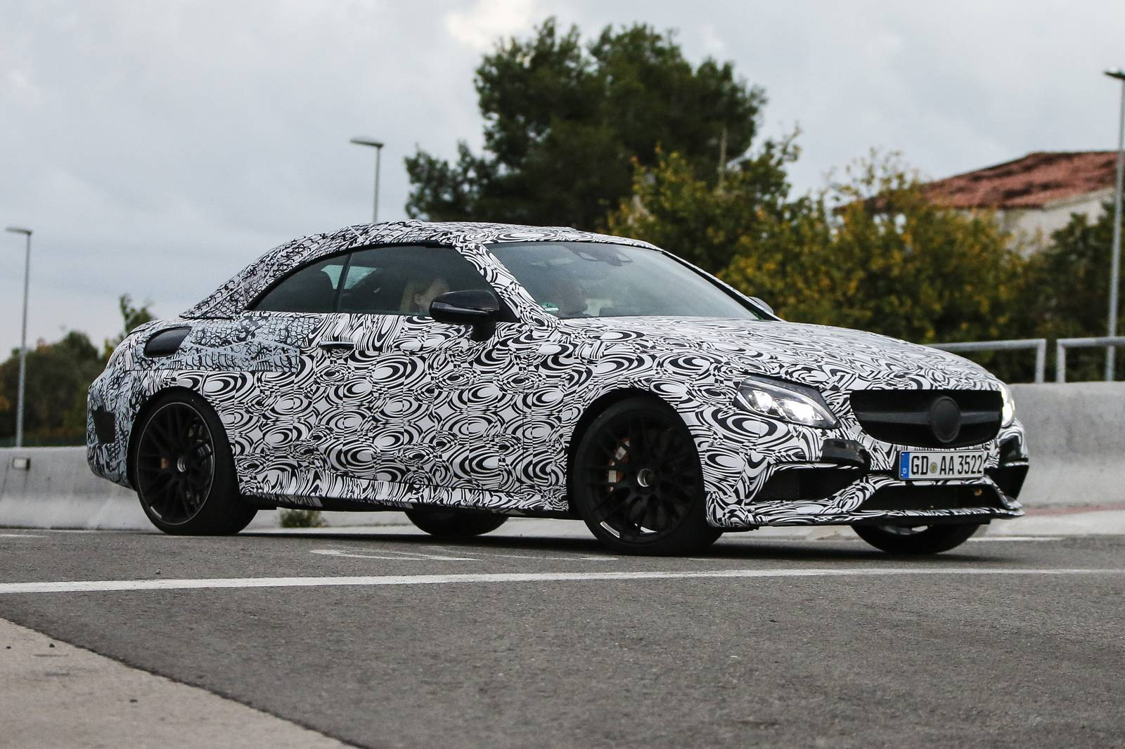 mercedes amg c63 cabriolet first spy shots gtspirit. Black Bedroom Furniture Sets. Home Design Ideas