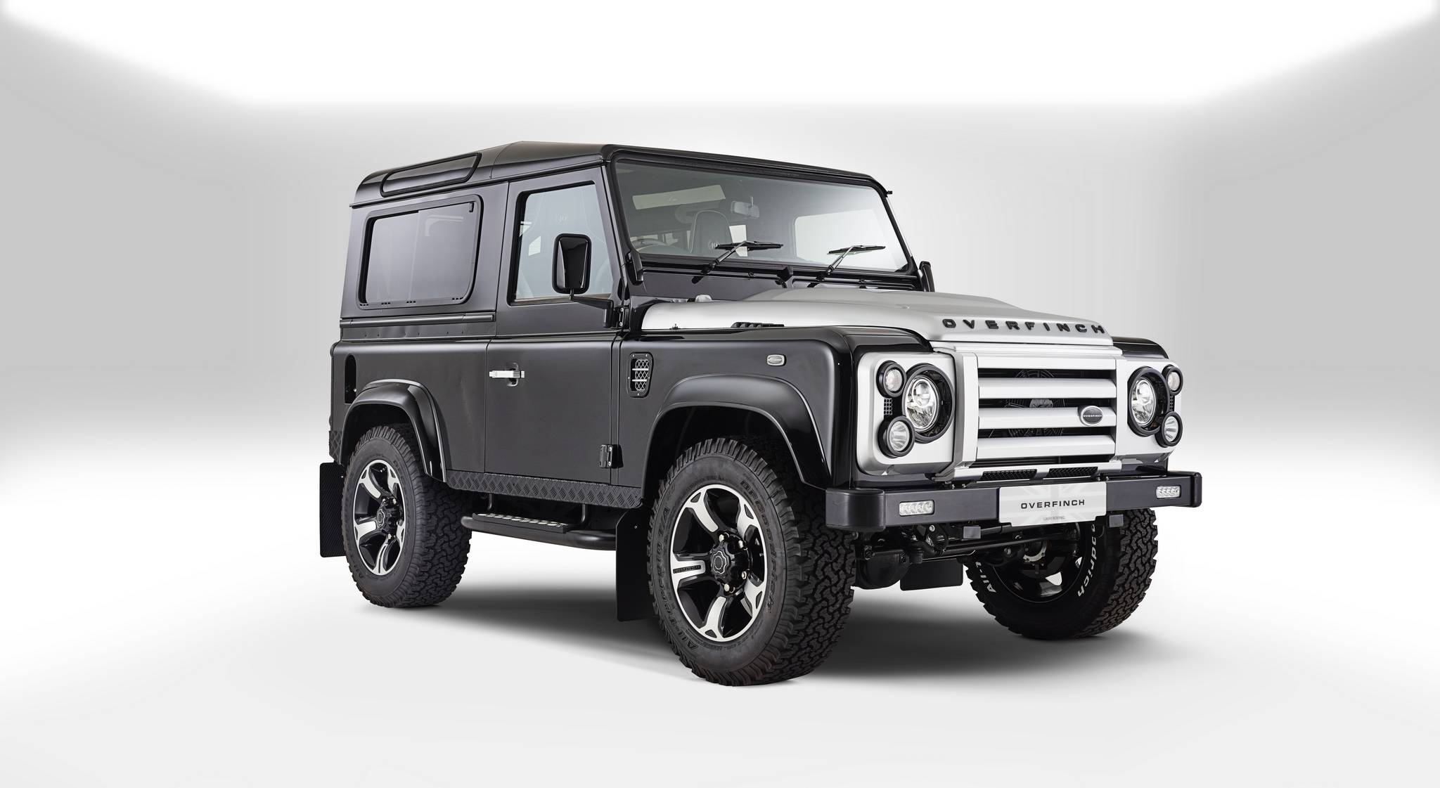 official overfinch land rover defender 40th anniversary edition gtspirit. Black Bedroom Furniture Sets. Home Design Ideas