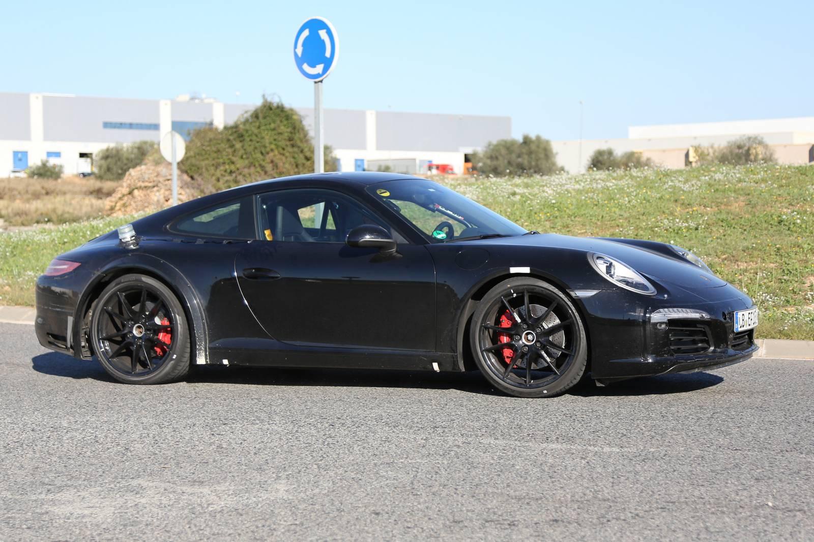 Porsche 911 Hybrid spy shot