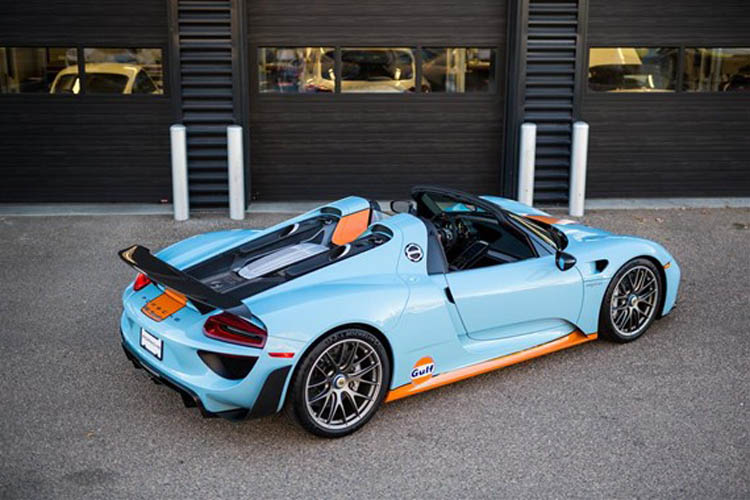 jaw dropping gulf liveried porsche 918 spyder for sale gtspirit. Black Bedroom Furniture Sets. Home Design Ideas