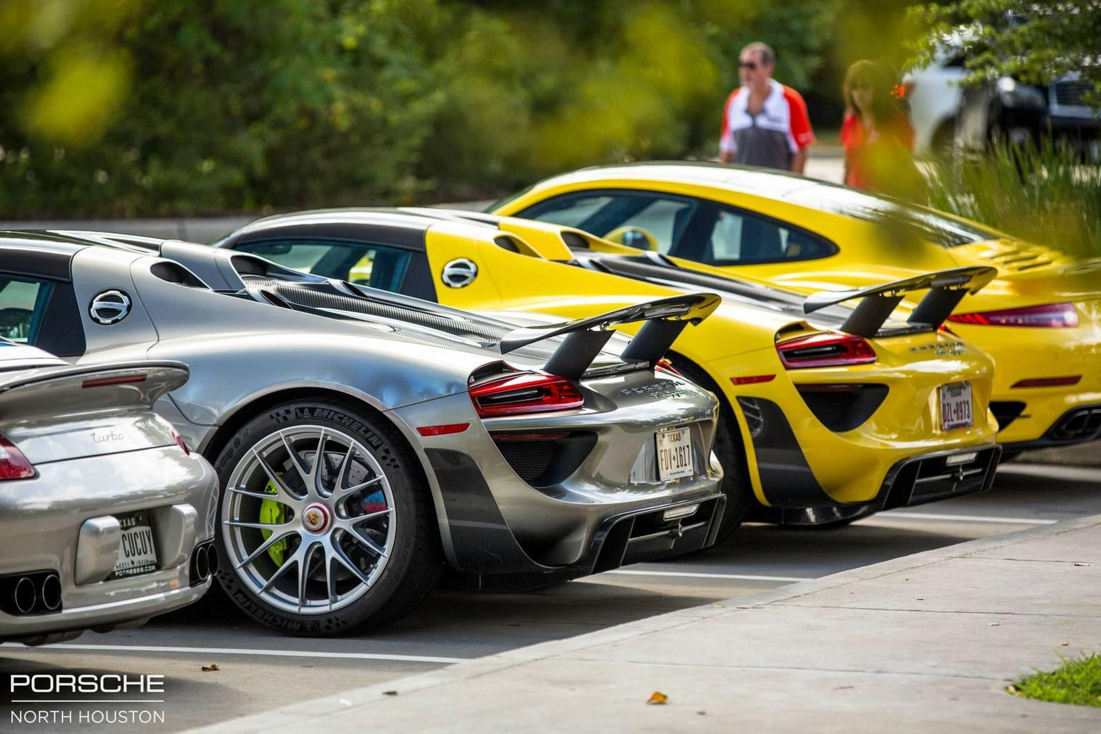 Porsche 918 Spyder rear