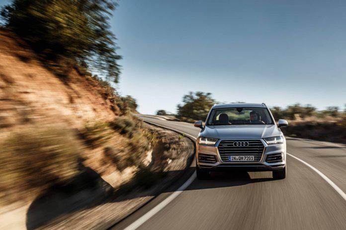 Audi Q7 e-tron quattro driving