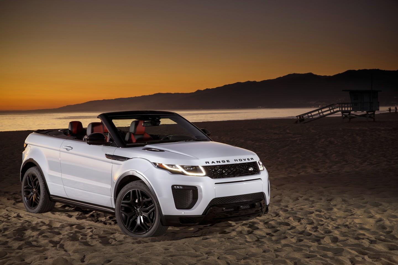 Jaguar Santa Monica >> Naomie Harris Poses With the Range Rover Evoque ...