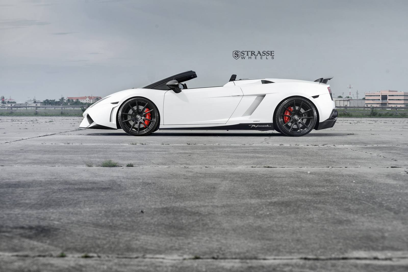 lamborghini gallardo spyder performante with strasse wheels gtspirit. Black Bedroom Furniture Sets. Home Design Ideas