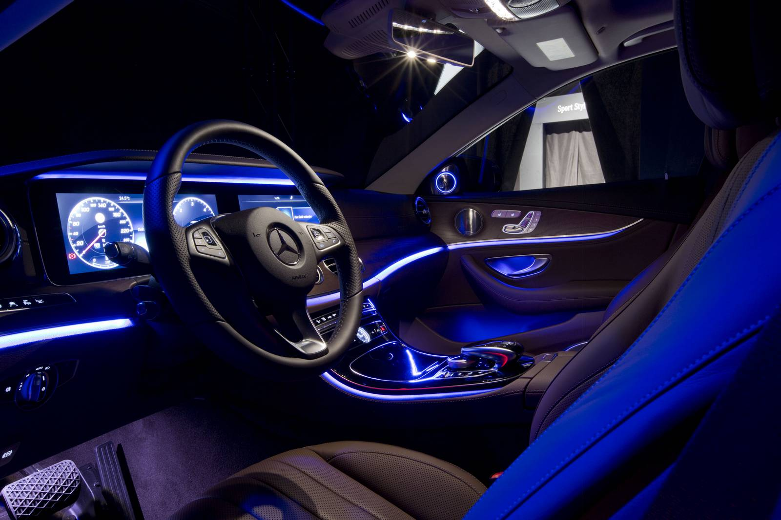 2017 Mercedes-Benz E-Class interior lighting