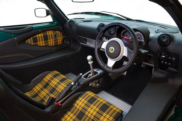 Lotus Exige Sport 350 Interior and Shifter