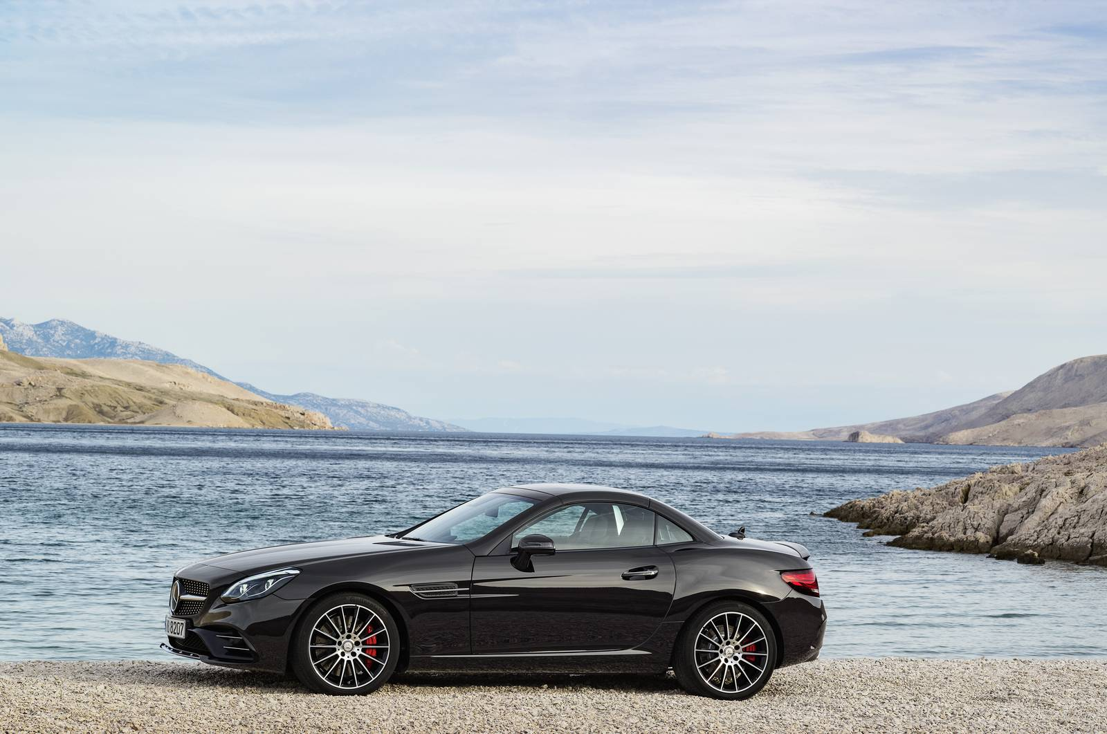 official 2016 mercedes amg slc 43 gtspirit. Black Bedroom Furniture Sets. Home Design Ideas