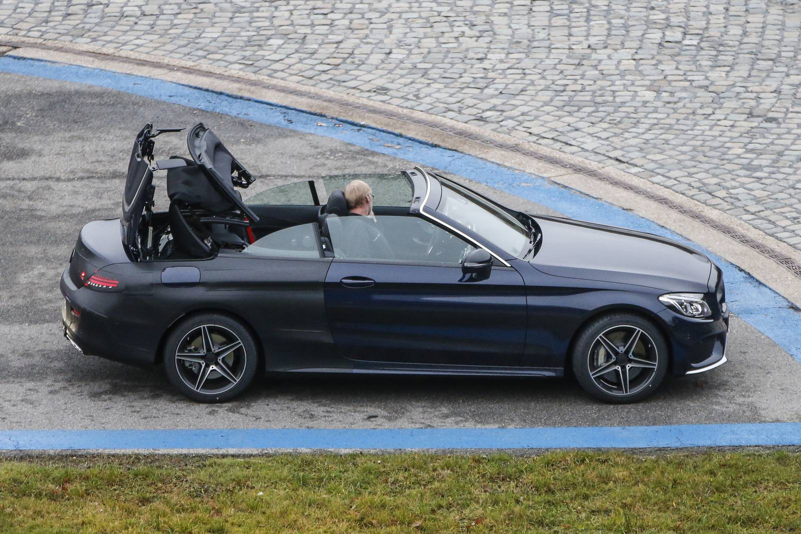2017 mercedes benz c class cabriolet spy shots with top down gtspirit. Black Bedroom Furniture Sets. Home Design Ideas