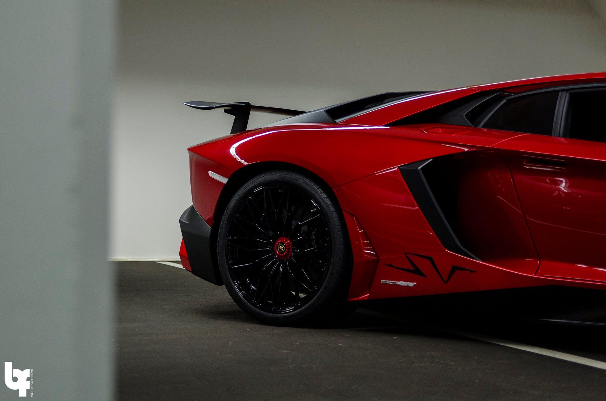 Rosso-Bia-Lamborghini-Aventador-SV-2 Nuevo superdeportivo de Afrojack