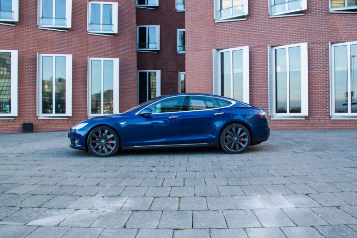 2016 Tesla Model S P90D side view