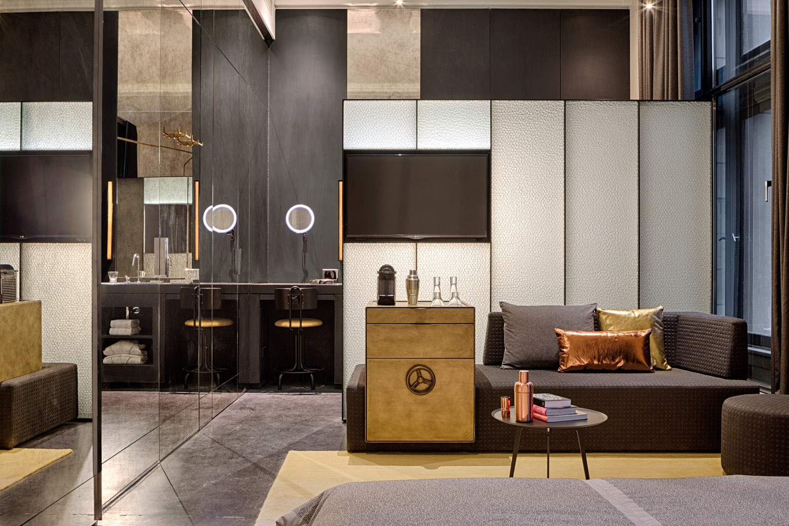 first w hotel in the netherlands opened in amsterdam gtspirit. Black Bedroom Furniture Sets. Home Design Ideas