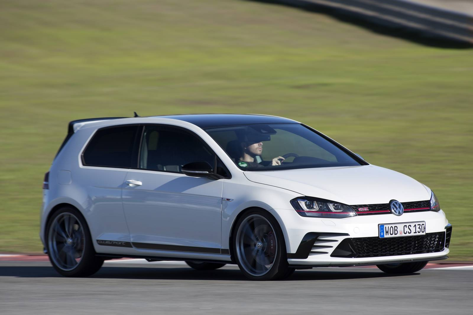 2016 volkswagen golf gti clubsport review gtspirit. Black Bedroom Furniture Sets. Home Design Ideas