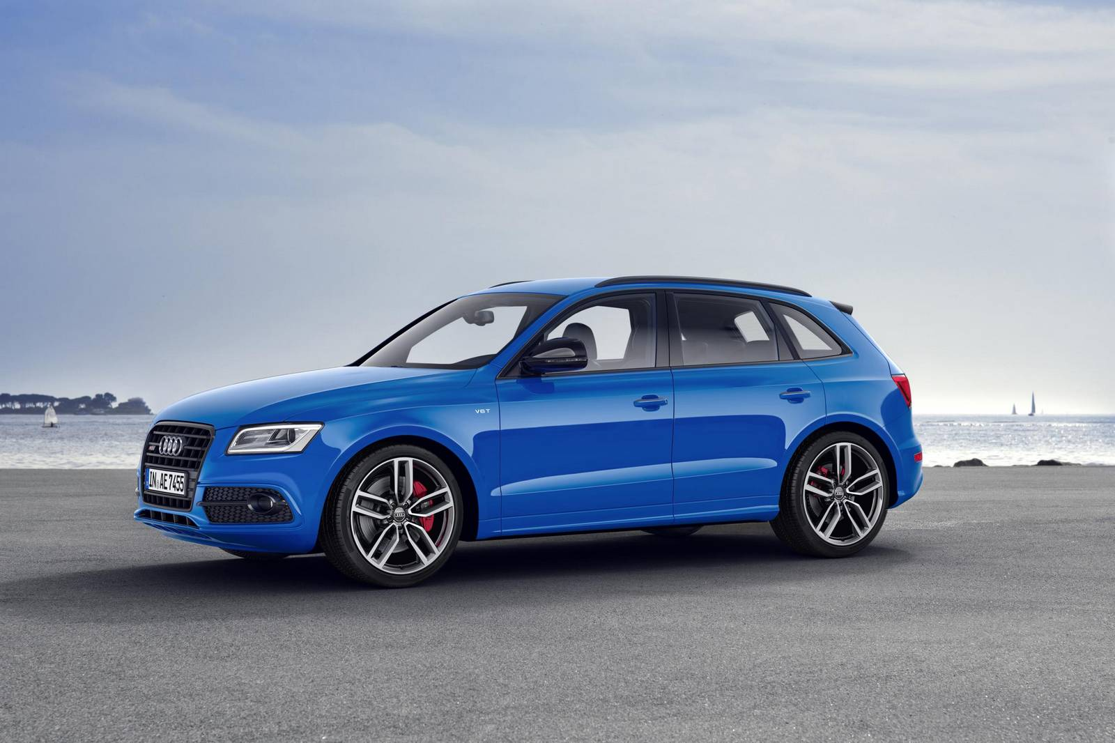 audi rs q5 to launch in 2017 gtspirit. Black Bedroom Furniture Sets. Home Design Ideas