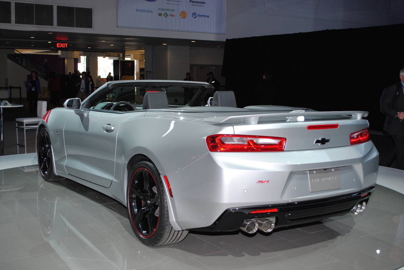 Detroit 2016: Chevrolet Camaro SS and RS - GTspirit