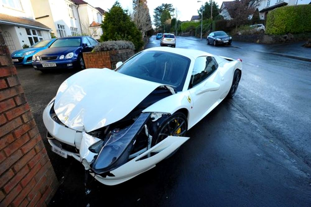 Ferrari 458 crash Cardiff (1)
