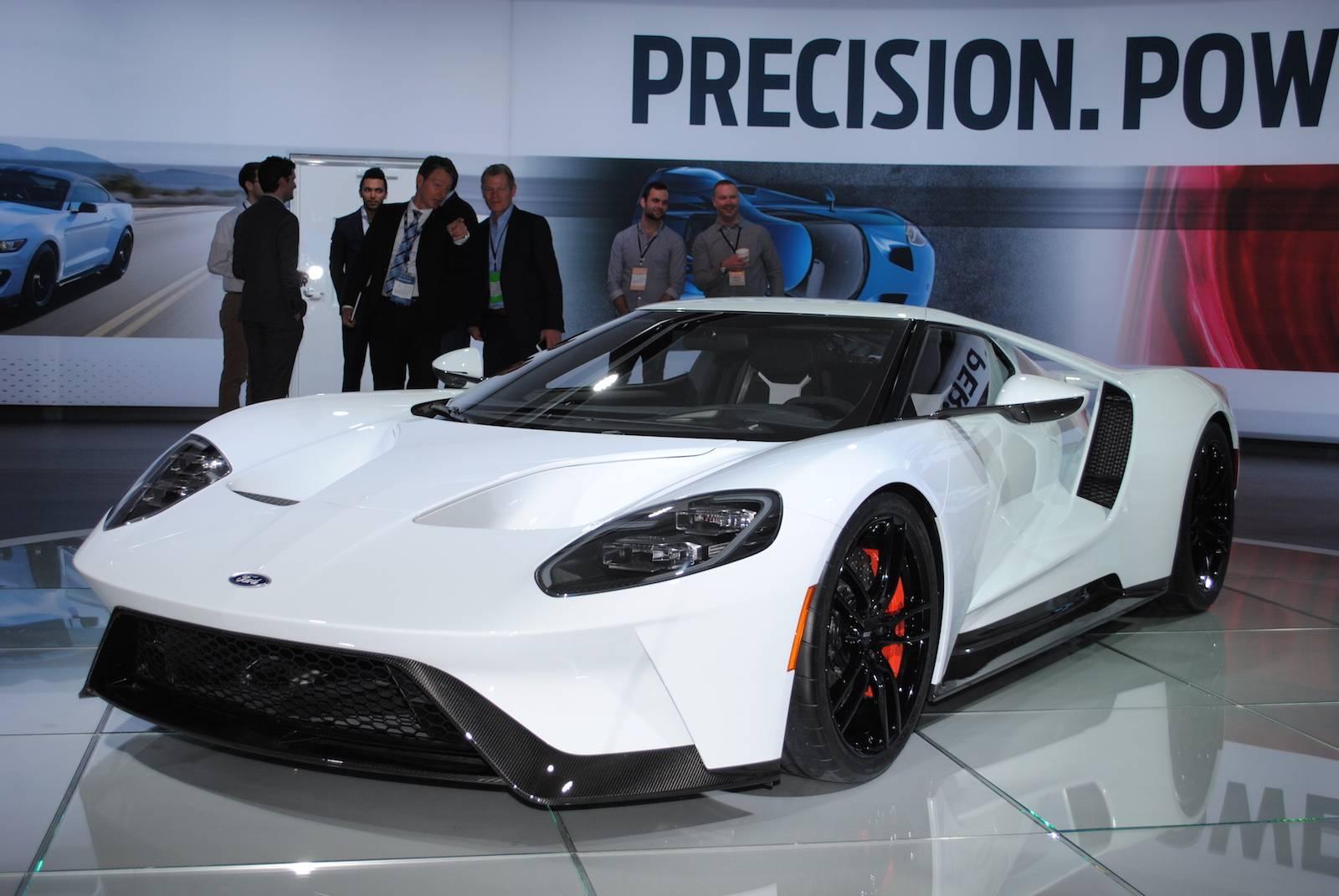 Detroit 2016: White Ford GT - GTspirit