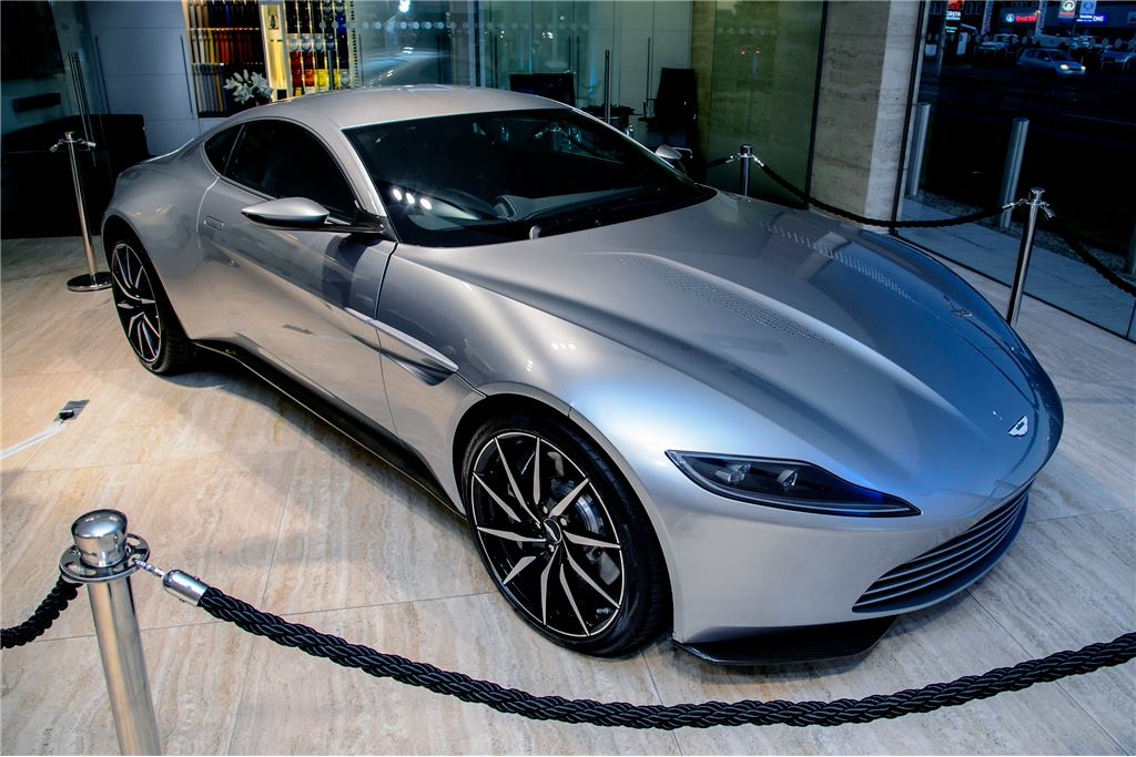 james bond 39 s aston martin db10 auctions for 3 4 million gtspirit. Black Bedroom Furniture Sets. Home Design Ideas