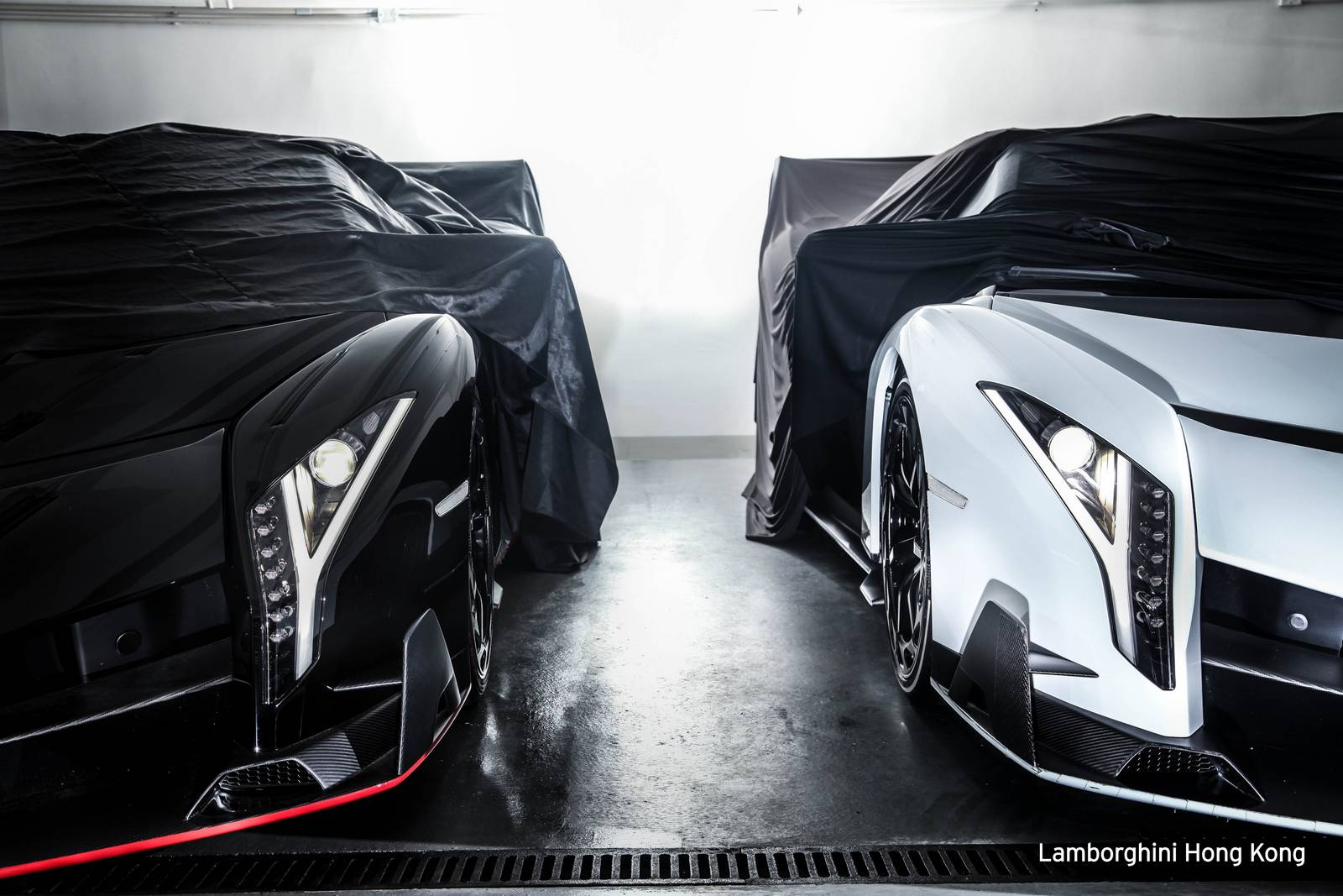 Two New Lamborghini Veneno Roadsters Delivered In Hong