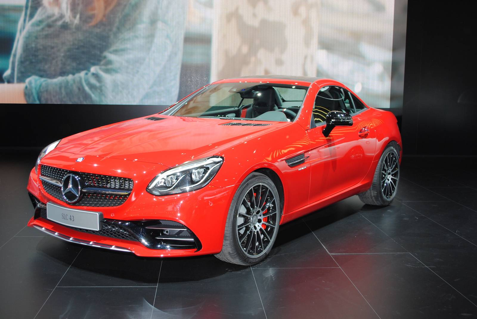 detroit 2016 mercedes amg slc 43 gtspirit. Black Bedroom Furniture Sets. Home Design Ideas