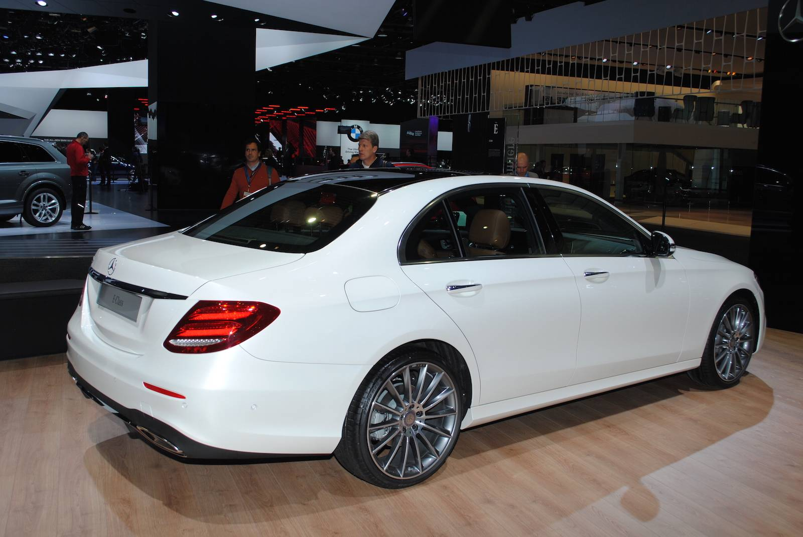 detroit 2016 mercedes benz e class gtspirit. Black Bedroom Furniture Sets. Home Design Ideas