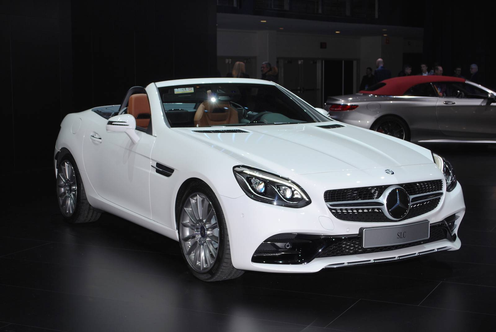 Detroit 2016 mercedes benz slc gtspirit for Slc mercedes benz