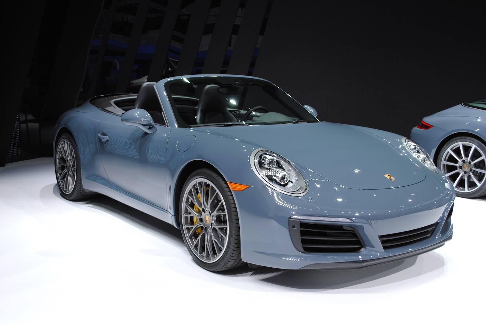 Detroit 2016 Porsche 911 Carrera S Cabriolet Gtspirit