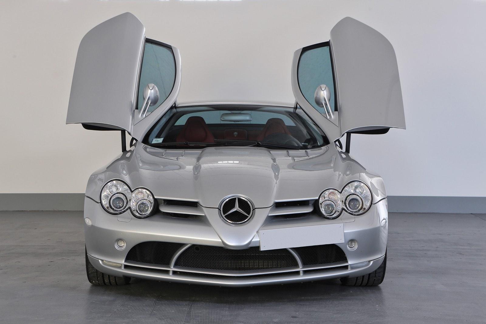 Mercedes-Benz SLR McLaren Doors Up