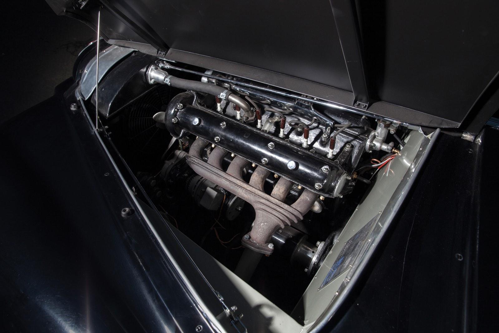 Alfa Romeo 6C 2500 SS Villa d'Este Coupé by Touring Engine