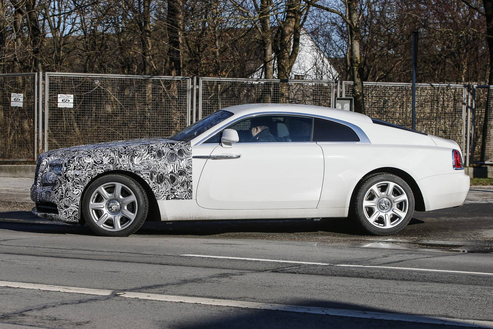 rolls royce wraith series ii spy shots gtspirit. Black Bedroom Furniture Sets. Home Design Ideas