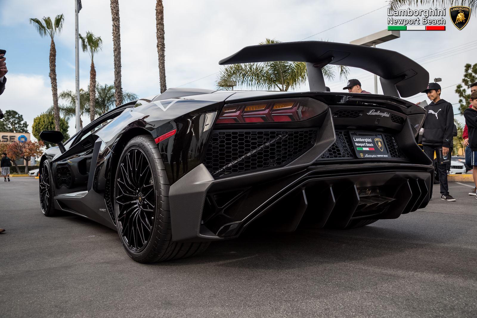 Lamborghini Newport Beach Kicks Off 2016 With Supercar Orgy Gtspirit