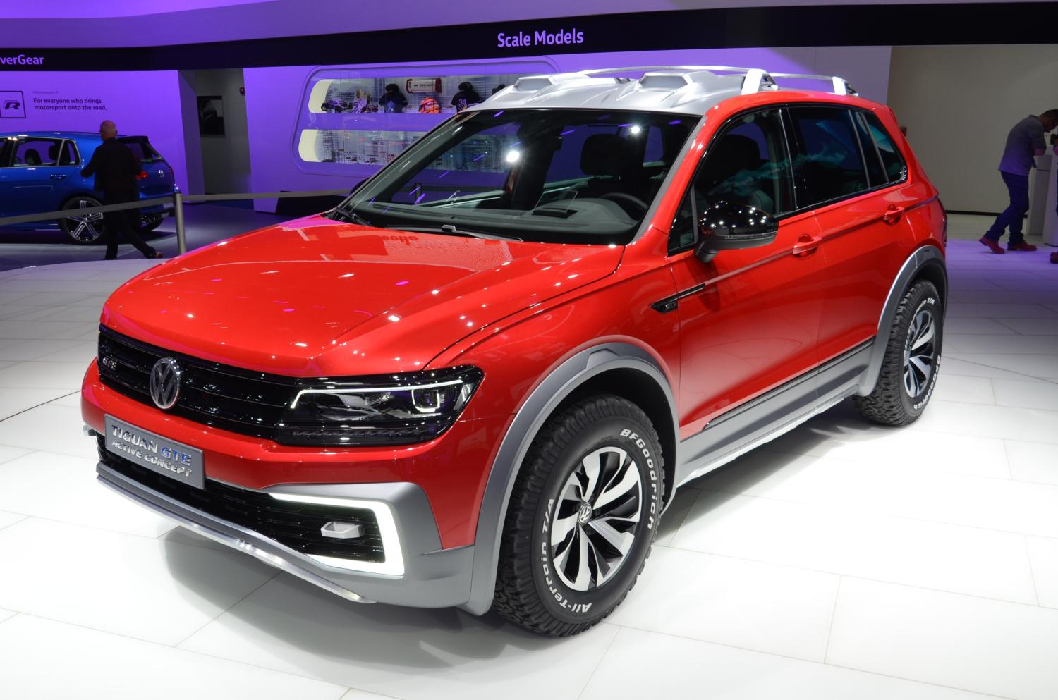 detroit 2016 volkswagen tiguan gte concept gtspirit. Black Bedroom Furniture Sets. Home Design Ideas