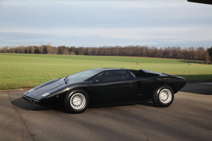 148 1975 Lamborghini Countach LP 400 coupé Periscopio