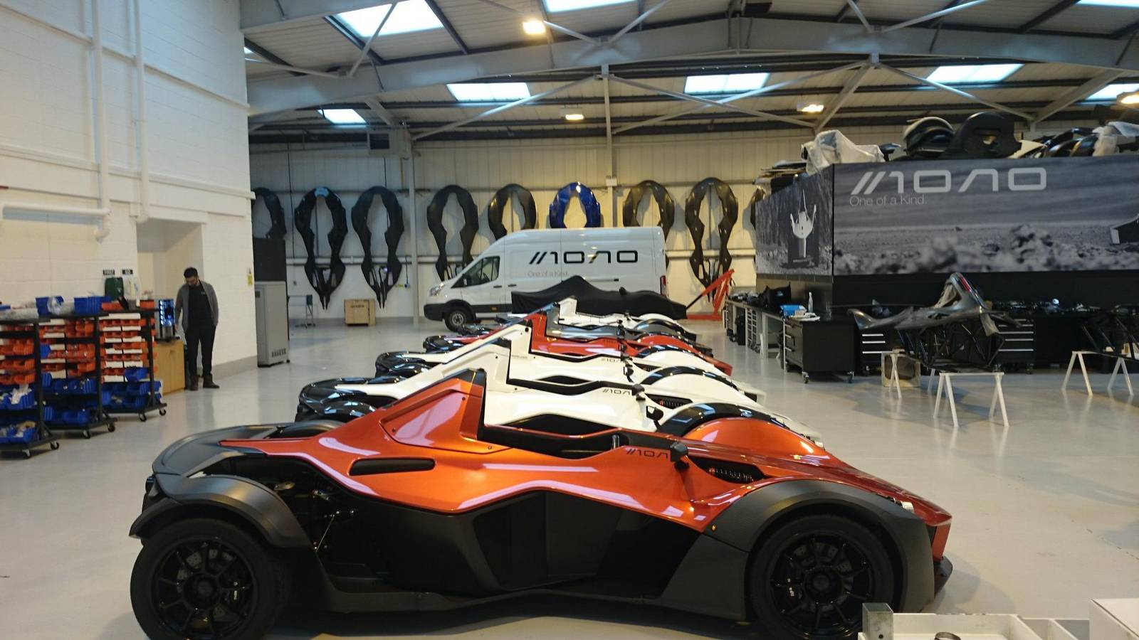 2016 bac mono gets new chassis and more interior space gtspirit. Black Bedroom Furniture Sets. Home Design Ideas