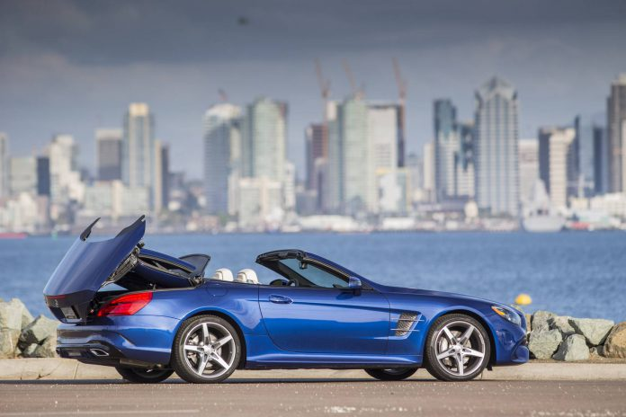 Brilliant Blue Metallic Mercedes-Benz SL 550