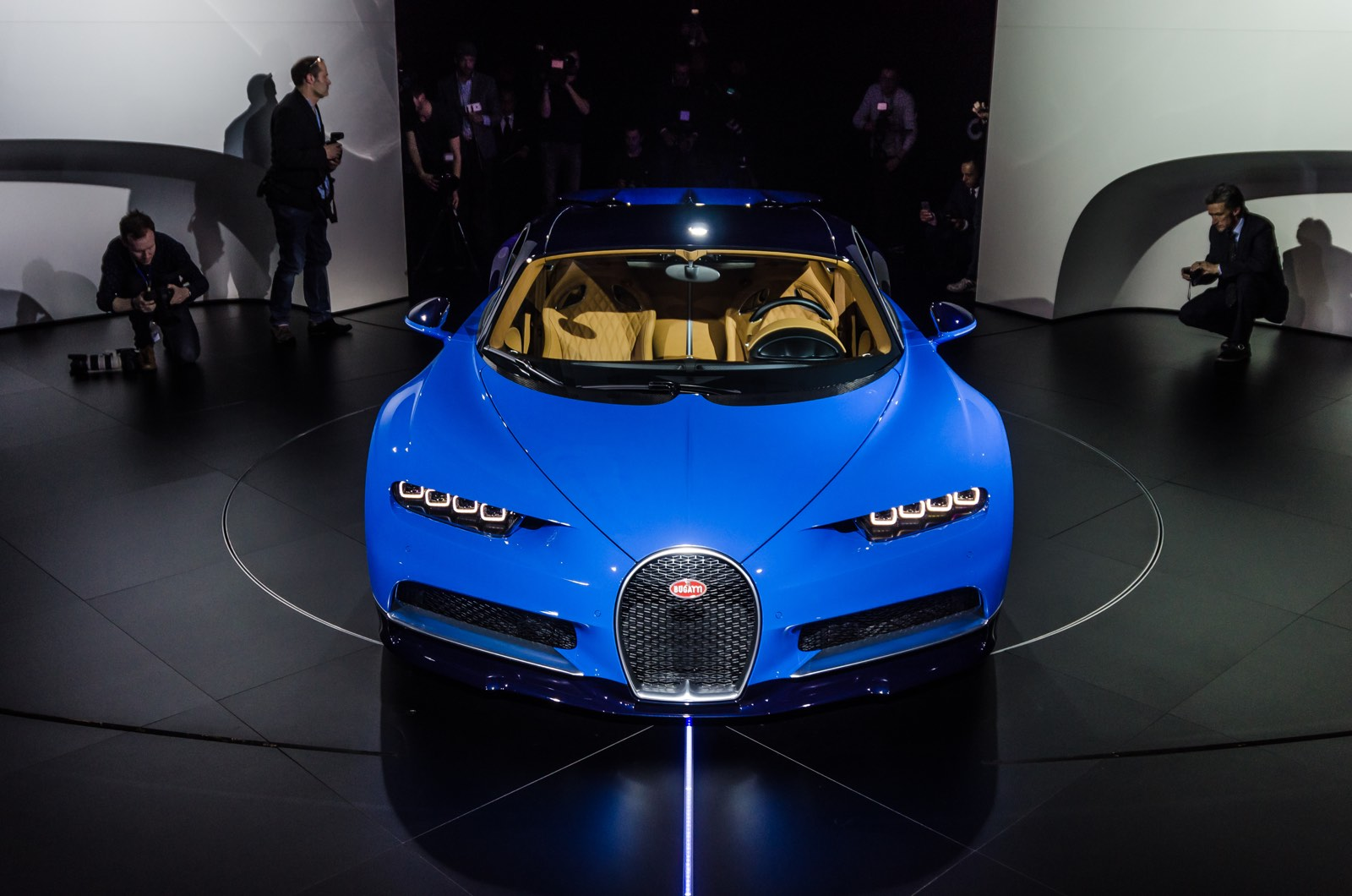 Bugatti Chiron Exterior on W16 Engine